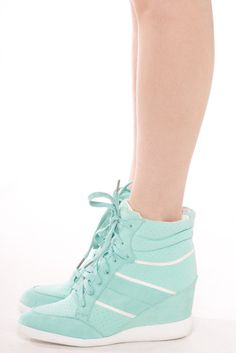 I seriously need these wedge sneakers. They're too beautiful ☆