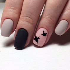 Adding some glitter nail art designs to your repertoire can glam up your style within a few hours. Check our fav Glitter Nail Art Designs and get inspired! Trendy Nail Art, Stylish Nails, Easy Nail Art, Hair And Nails, My Nails, Fall Nails, Bird Nail Art, Simple Nail Art Designs, Nagel Gel