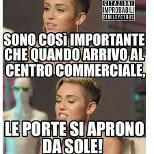 Funny Photos, Funny Images, Italian Memes, Serious Quotes, Funny Scenes, Funny Phrases, Funny Video Memes, Funny Love, Super Funny