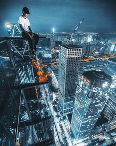 Incredible Rooftop Photography of Shenzhen by Ivan Sidorenko Photo Background Images, Photo Backgrounds, Urban Photography, Amazing Photography, Cities, Creative Portraits, Best Places To Travel, Parkour, Extreme Sports