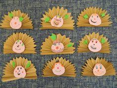 hedgehog craft for kids Autumn Crafts, Fall Crafts For Kids, Autumn Art, Art For Kids, Diy And Crafts, Paper Crafts, Nursery Crafts, Hedgehog Craft, Classroom Crafts