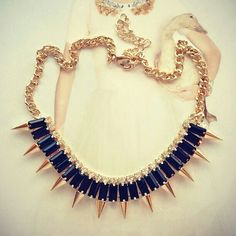 blk & gold spiked necklace