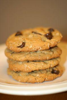 Sarah Bakes Gluten Free Treats: gluten free peanut butter oatmeal chocolate chip cookies