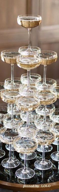 Champagne Tower | LOLO