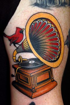 tattoo old school / traditional nautic ink - gramaphone record player