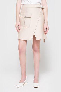 不要只穿鉛筆裙!時尚 OL 今季要入手的流行單品- Wrap Skirt!