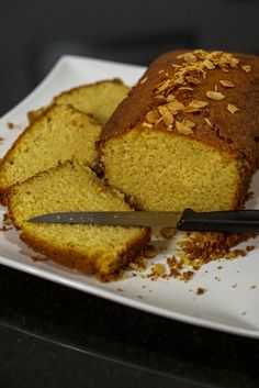 Recipe of the Maspin gréo, a delicious cake made from seminola Top Recipes, Sweet Recipes, Cake Recipes, Dessert Recipes, Cooking Recipes, Mauritian Food, Polenta Cakes, Semolina Cake, Dough Recipe