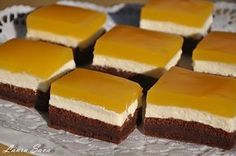 Ingenious FANTA cake with quark filling: Who does not cost it can regret it! The post Ingenious FANTA cake with quark filling: Who does not cost it can regret it appeared first on Dessert Park. Oreo Dessert Recipes, Pudding Desserts, Cheesecake Desserts, Chocolate Cheesecake, Easy Cake Recipes, Simple Recipes, Quark Recipes, Easy Vanilla Cake Recipe, Chocolate Cake Recipe Easy