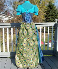 Peacock Renaissance gown -- http://susofashions.com/gallery_page7.html