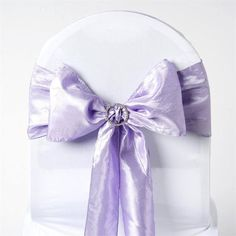 Got crinkle tablecloths? Tie your décor together with our fabulous crinkle taffeta chair sashes available in black, white, apple green, and other colors. Lavender Wedding Decorations, Lavender Wedding Theme, Wedding Bows, Wedding Reception Decorations, Wedding Ideas, Birthday Decorations, Wedding Chair Sashes, Wedding Chairs, Floral Tablecloth