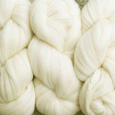 Living Dreams Super Zippy; Super Bulky Natural Wool Roving Yarn for Knitting, Crochet, Weaving, Rug Making, 4 Ounce 60 Yards, Cream White Living Dreams Yarn