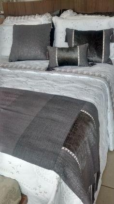 Você acha que almofadas são somente para sala? Veja essas lindas almofadas que combinam com qualquer ambiente.