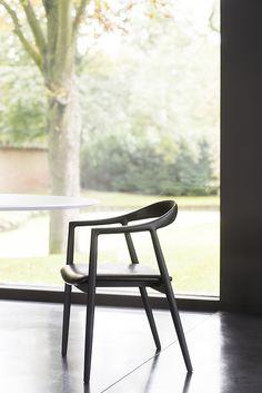 Hata by Miyazaki Chair Factory | Design Yoshinaga Keishi | Japan