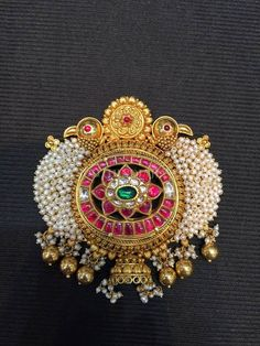 Latest Collection of best Indian Jewellery Designs. Pearl Jewelry, Pendant Jewelry, Antique Jewelry, Gold Jewellery, Antique Gold, Jewlery, Indian Wedding Jewelry, Indian Jewelry, Bridal Jewelry