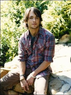 Justin Chatwin - love his hair and style Justin Chatwin, Casual Wear, Men Casual, Celebs, Celebrities, Cute Guys, Love Him, Sexy Men, Crushes