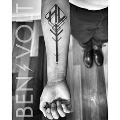 An #abstract #geometric #tree representation and her mother's #initials; a Hazel tree for Hazel. Thanks again, Denyce! #benvolt #blackwork #blackworkers #tattoos #graphicdesign #scholartattoo #sanfrancisco