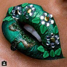 #green #flowers #artistic #makeup #lips #vert #fleurs #maquillage #artistique #lèvres