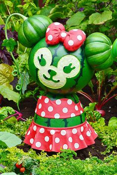 Duffy The Disney Bear, Disney Parks, Easter, Cake, Summer, Places, Summer Time, Easter Activities, Kuchen