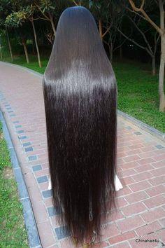Long Straight Black Hair, Long Layered Hair, Straight Wigs, Really Long Hair, Super Long Hair, Beautiful Long Hair, Gorgeous Hair, Shiney Hair, Long Indian Hair