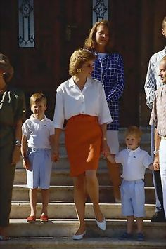 http://www.angelofoz.com/princess_diana_children_02/142.jpg