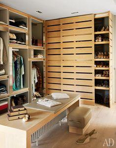 Гардеробная комната в барселонской квартире, дизайнер Сюзанна Джи Хоффманн