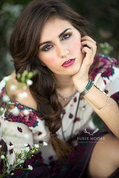 Senior Girl Poses, Girl Senior Pictures, Senior Girls, Photography Senior Pictures, Photo Poses, Face, Portraits, Beautiful, Head Shots