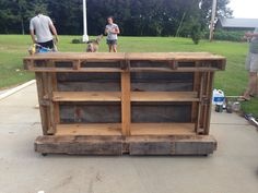 Awesome pallet bar!