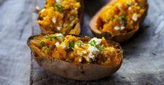 Recette de Patate douce farcie aux noix, cheddar et fromage frais 0% Croq'Kilos. Facile et rapide à réaliser, goûteuse et diététique.