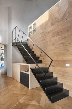 Black Staircase, Staircase Design, Metal Stairs, Wooden Stairs, Dark Color Palette, Contemporary Interior, Beautiful Interiors, Interior Design, Townhouse
