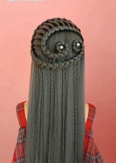 Easy And Beautiful Hairstyles, Elegant Hairstyles, Cool Hairstyles, Medium Hair Styles, Curly Hair Styles, Elf Hair, Hair In The Wind, Girl Hair Dos, Runway Hair
