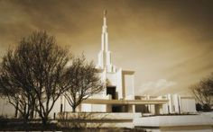 Click to download this wallpaper image of the Denver Colorado Mormon Temple