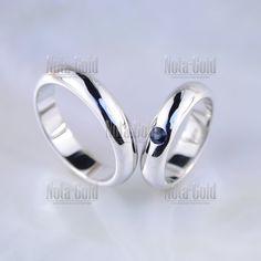 452d90098618 Классические обручальные кольца из белого золота с крупным сапфиром (Вес  пары 13,5 гр