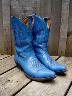 Blue cowboy boots... Now these seriously needs to go with the dress that has the ugly shoes :)
