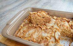 Bezlepkový, zázvorový koláč s hruškami   Rutina.cz Banana Bread, Desserts, Food, Routine, Tailgate Desserts, Deserts, Essen, Postres, Meals