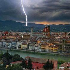 #thunder on #Florence