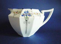 classic-shelley-queen-anne-blue-iris-pattern-milk-jug-c1930-477-p.jpg 610×444 pixels