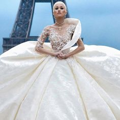 💎 Ny Fashion, Fashion Addict, Couture Wedding Gowns, Wedding Dresses, Wedding Beauty, On Your Wedding Day, Ball Gowns, Marriage, Formal Dresses