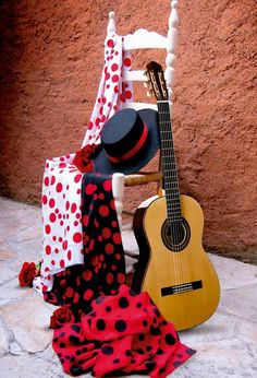 Nuestro particular rincón de #Sevilla, puro arte flamenco con nuestras telas #Flamentex  #telas #flamenca #lunares Flamenco Party, Flamenco Dancers, Spanish Dance, Dance Pictures, Dance Art, 70th Birthday, Ballerinas, Ballet, Passion