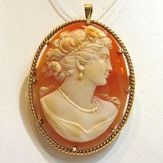 Pendentif et broche camée 229 : Bijoux anciens Paris Or