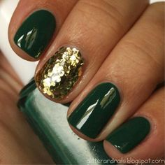 Emerald Green & Gold Nails Such a great combination.