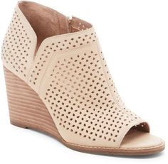 30f6f8a843 Breeze Sea in 2019 | My Style | Clarks sandals, Strappy wedges ...