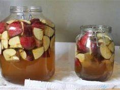 Most készült el két üveg almaecetem. Idén már nem lesz gondom a betegségekkel!