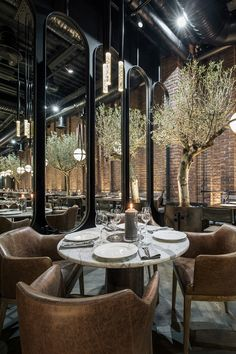 Restaurant and Bar Design Awards Design Café, Bar Interior Design, Restaurant Interior Design, Cafe Design, Design Hotel, Interior Decorating, Industrial Restaurant Design, Industrial Style, Bistro Interior
