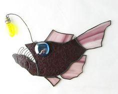 Stained Glass Anglerfish Suncatcher von trilobiteglassworks auf Etsy