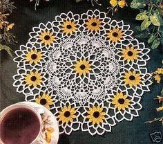 Black eyed Susan Doily ~ Free Crochet Patterns – Knitting patterns, knitting designs, knitting for beginners. Crochet Books, Crochet Home, Thread Crochet, Filet Crochet, Crochet Crafts, Crochet Projects, Diy Crochet, Free Crochet Doily Patterns, Crochet Motif