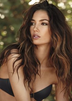 Lily Aldridge Loves a Red Lip - The Victoria's Secret Angel Shares Her Beauty Secrets