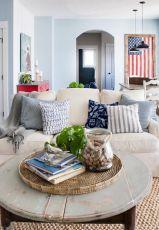 Inspiring lake house home decor ideas (9)