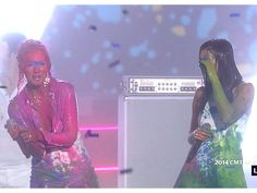 CMT Awards 2014: Little Big Town Gets Covered in Paint