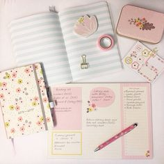 Visit the Busy B blog to enter our giveaway - guaranteed to brighten up your desk! Link in bio #competition #freebiefriday #stationeryaddict #deskinspiration #blog