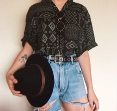 Rate this look ✨ Lesbian Outfits, Gay Outfit, Tomboy Outfits, Grunge Outfits, Cool Outfits, Casual Outfits, Queer Fashion, Tomboy Fashion, Fashion Outfits